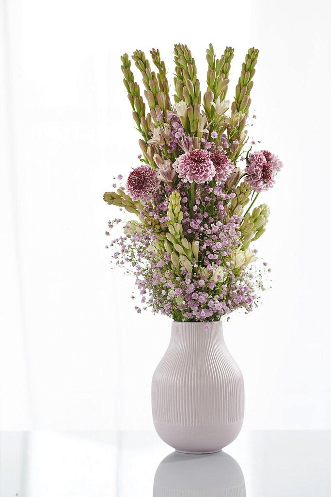 3 tolle, trendy und einfache Ideen mit Frühlingsblumen un materialien. Fleur Kreativ Floristik Blumenkunst