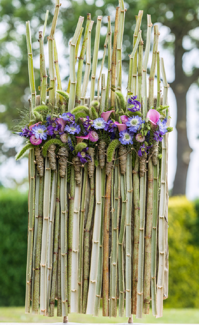 Fleur Kreativ Magazine: Blumenschirm. Floral Design von Charlotte Bartholomé.