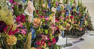 Fleur Kreativ Magazine: Planen Sie Ihren Besuch im 'Blumenparadies' in Belgien. Fleur Floral Fashion by Fleuramour 2021.